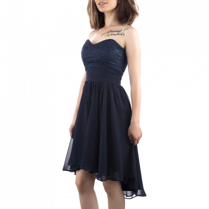 Лот елегантни рокли размер XL